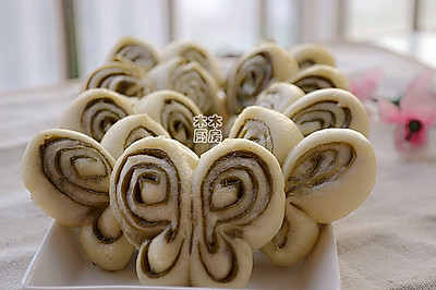 抹茶蝴蝶花卷
