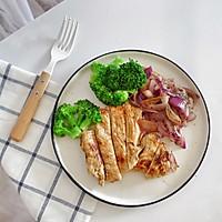 嫩煎鸡胸肉,健身减脂必备的做法图解15