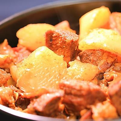 萝卜牛腩煲-迷迭香