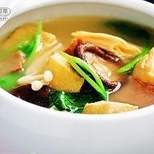 腊肉油豆腐暖锅