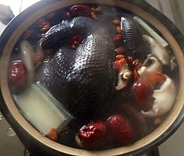 降高血压食谱1—莲子山药乌鸡煲!的做法