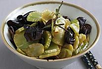 葱油莴笋炒木耳的做法