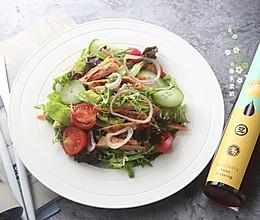 香煎鸡肉蔬菜沙拉的做法