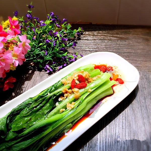#夏日素食# 白灼广东菜心的做法