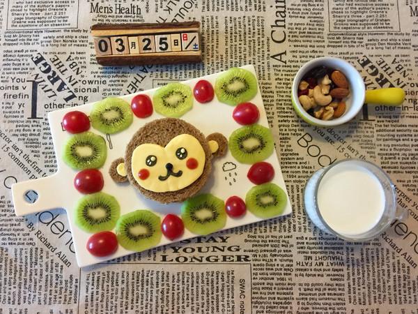 儿童早餐—小猴子照烧三文鱼蔬菜三明治的做法