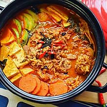 韩式火锅好吃的秘诀——泡菜肥牛锅