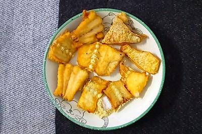 金灿灿的椒盐煎鱼