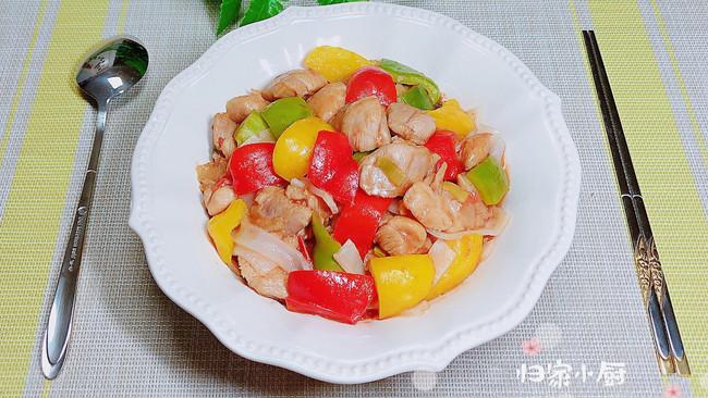 #晒出你的团圆大餐# 彩椒鸡丁炒酿皮(10分钟快手菜)的做法
