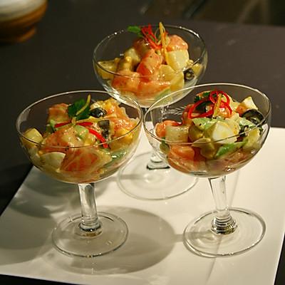 五彩三文鱼沙拉