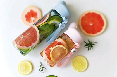 夏日冷萃水果香草饮