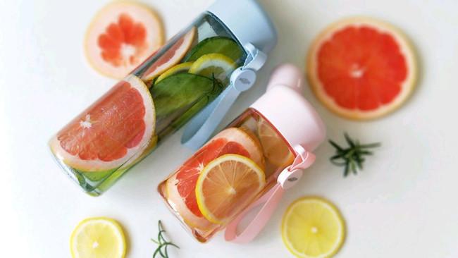 夏日冷萃水果香草饮的做法