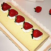 不会开裂的草莓奶油蛋糕卷#松下烘焙魔法学院#的做法图解13