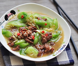丝瓜烩牛肉的做法