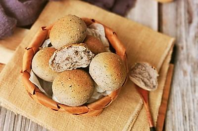 #秋天怎么吃# 无油无糖黑芝麻小面包