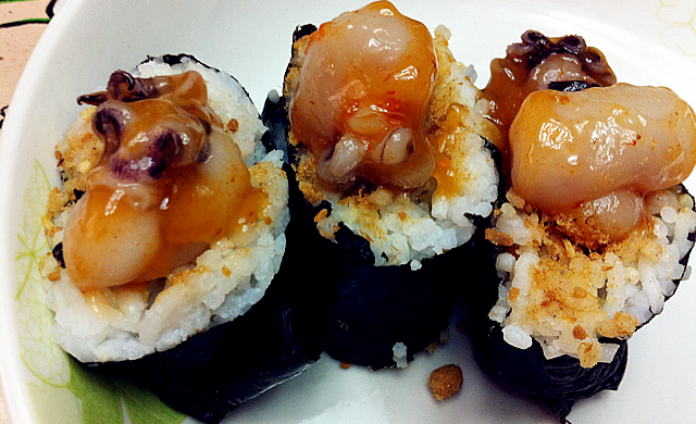章鱼肉松寿司