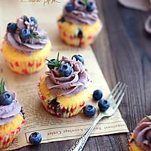 蓝莓乳酪纸杯蛋糕