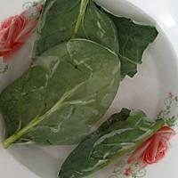 宝宝虾仁菠菜汤+小馒头的做法图解3