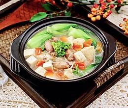 #憋在家里吃什么#金针菇豆腐鱿鱼煲的做法