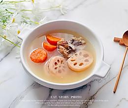红萝卜莲藕排骨煲的做法