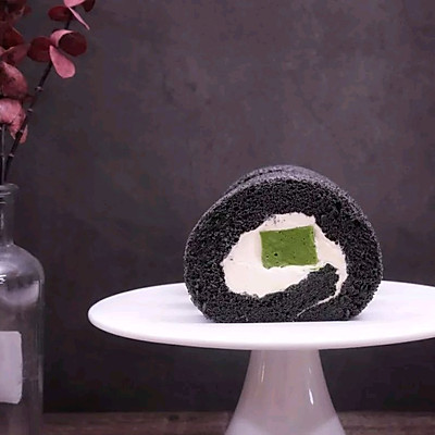 竹炭抹茶奶冻蛋糕卷