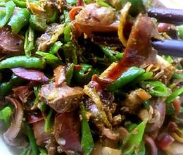 尖椒炒河蚌的做法