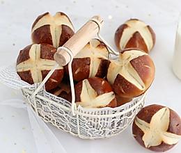#秋天怎么吃# 碱水面包的做法