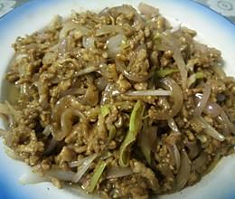 猪肉/牛肉丝炒洋葱的做法