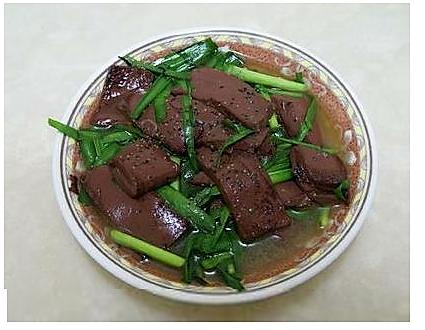 韭菜炒猪血的做法