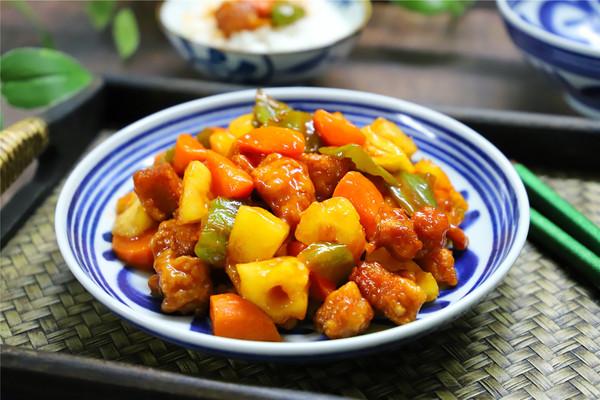酸甜开胃的菠萝咕噜肉的做法