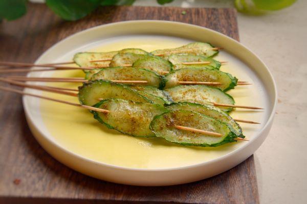 宜宾把把烧:烤黄瓜片