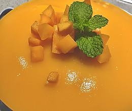 #豆果10周年生日快乐#好吃不用烤箱的芒果慕斯蛋糕的做法