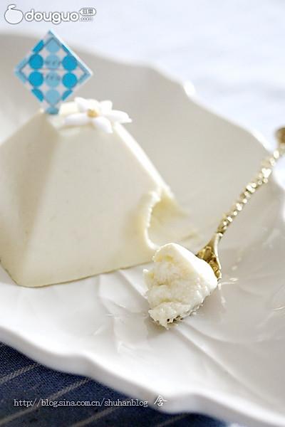 乐葵食谱:榴梿慕司的做法