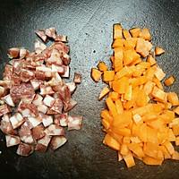 豌豆玉米炒腊肠的做法图解3
