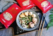 #鲜到鲜得,月满中秋,沉鱼落宴#鲜逢火锅丸子紫菜面的做法