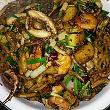 干锅香辣虾和鱿鱼须