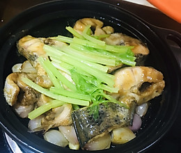 砂锅鱼腩的做法