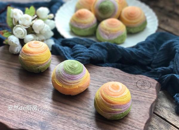 彩虹蛋黄酥的做法