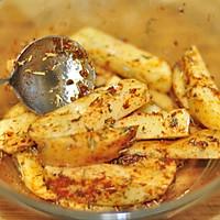 鸡肉酪梨沙拉拌凉面佐烤薯角的做法图解2