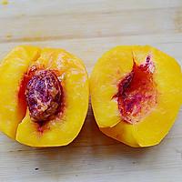 秋季纯天然甜品—糖水黄桃的做法图解3