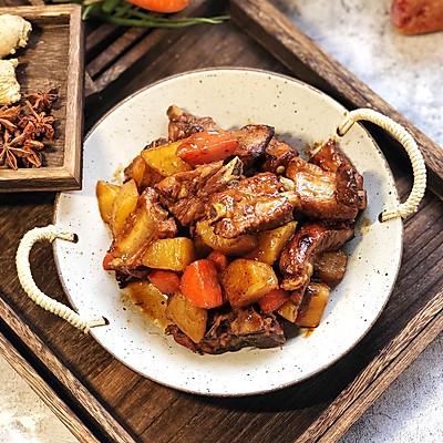 红烧土豆胡萝卜炖排骨