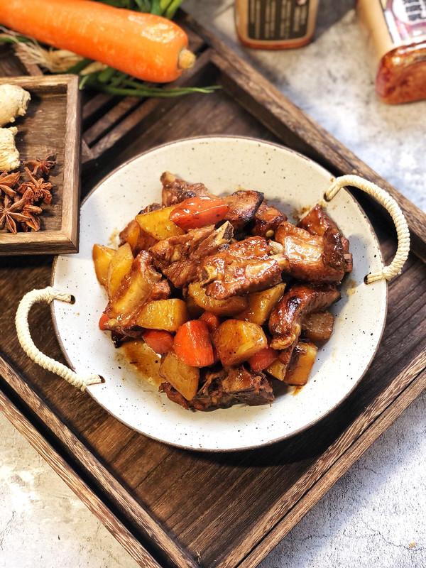 红烧土豆胡萝卜炖排骨的做法