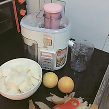 鲜榨 鲜梨橙汁(用的秋梨)