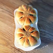 红豆面包像花儿一样绽放