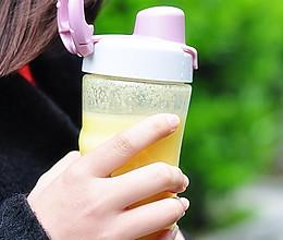 [Oster 女神食谱] 七日美肤系列之黄椒菠萝汁的做法