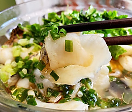 #爱乐甜夏日轻脂甜蜜#特别快手鲜美的葱油豆腐鱼片的做法