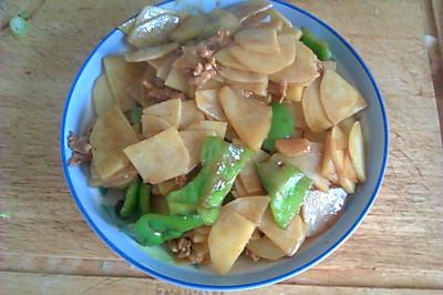 肉片炒土豆柿子椒