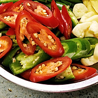 家常菜-辣椒毛豆炒肉沫的做法图解3