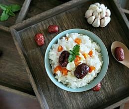#硬核菜谱制作人#蒜头萝卜焖饭的做法