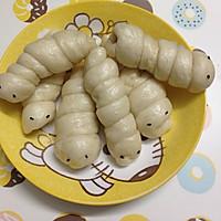 #春天里的毛毛虫#广式腊肠卷的做法图解6