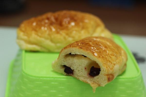 蔓越莓奶酪面包的做法